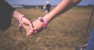 Chat lesbo: strategia in 3 passi per conquistare una ragazza lesbica online 5